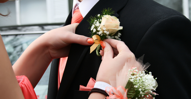 Teen Tips for Safe Prom Night Driving